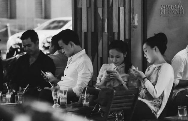 Không trò chuyện, chỉ smartphone