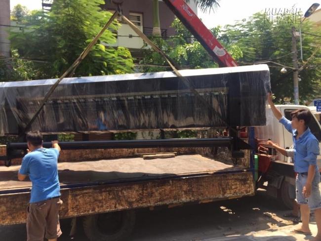 Luôn có đội ngũ nhân viên của MayInQuangCao.com giám sát và hỗ trợ trong quá trình giao hàng