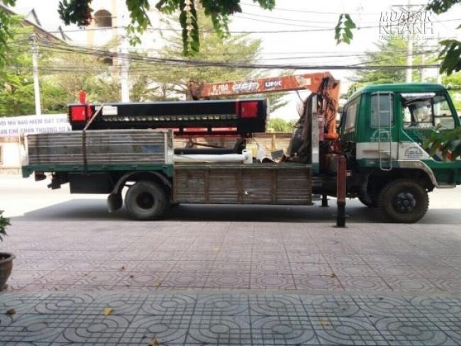 Máy in khổ lớn được cố định vững vàng, giao hàng đến mọi miền cả nước từ MayInQuangCao.com