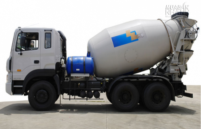Xe bồn trộn bê tông Hyundai 15 tấn HD270 7m3