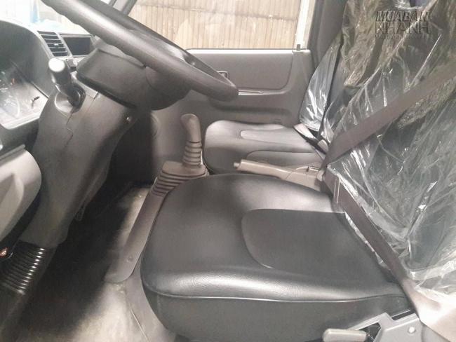 Khoang lái xe tải Hyundai IZ49